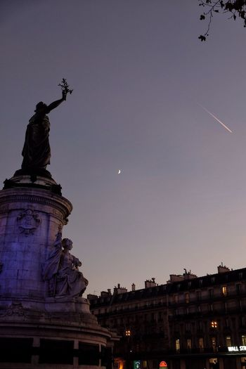 Purple hour Streetphotography Statue Architecture Place Marianne Crescent Moon