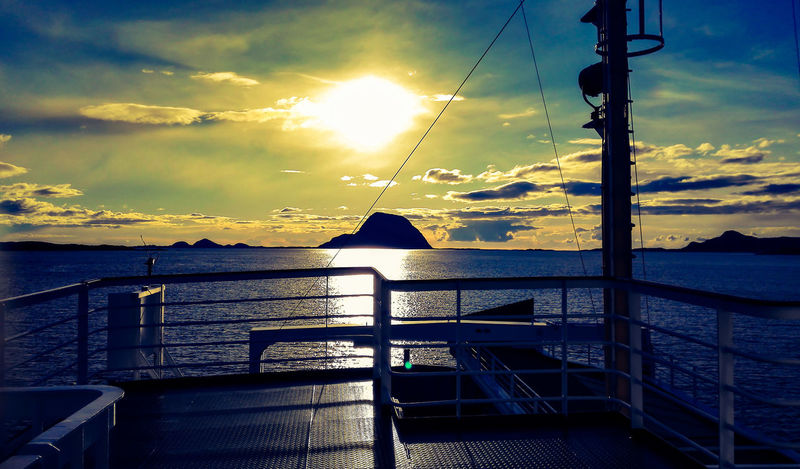 Værlandet Alden Ferry Views Sea And Sky Mountain Boat Sunset Norway