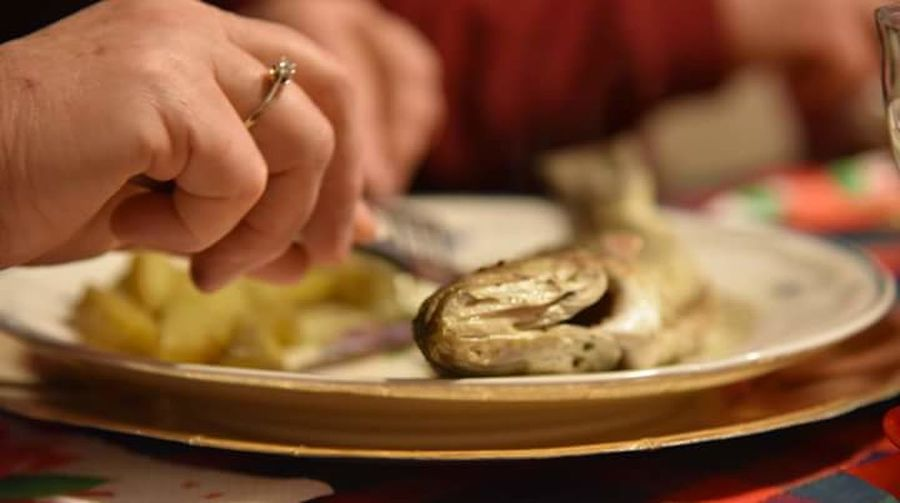 Human Hand Human Body Part Food And Drink One Person Selective Focus Preparation  Close-up Indoors  Food Healthy Eating Ready-to-eat Freshness Plate Day