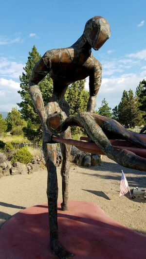 Treating The Wounded Wounded War Honoring The Fallen Living Memorial Veteran's Sculpture Garden The Nurses Sculpture Weed, CA Medic  Nurse Memories Serviceman Servicewomen Service To Country Remembering Carrying Honor Sadness Painful Sculpture Emotional The Week On EyeEm Mindful Surreal Dramatic Veteran Memorial