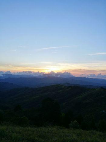 Costa Rica Atardeciendo... Atardecer En El Campo Mountain Cloud - Sky Sky Cielo Y Nubes  Sol Sunsetlover Peaceful Moment Godscreation