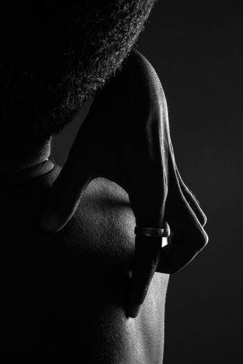 📸: Daniel Nery -- 🌎: Brasília / 🇧🇷 -- 🗓: 2017 --🕵️‍♂️ (model): Tim Kitsch Studio Shot Black Background Shadow Indoors  Close-up Nudeblackandwhite Nudeartphotography Bw P&B Blackandwhite Male Details Studio Photography Brasília Brazil Hand Back