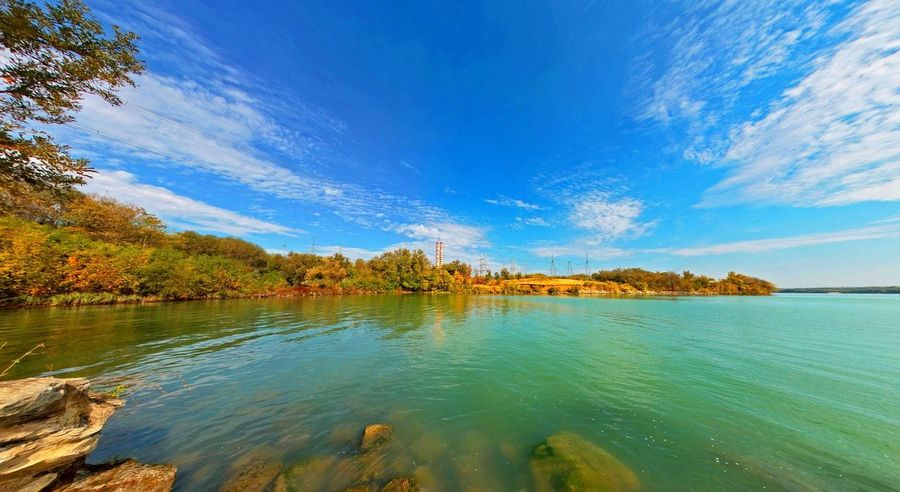 Tree Water Sky Outdoors Blue Reflection Scenics Vacations Lake Nature Landscape Cloud - Sky Travel Destinations Tranquility Beauty In Nature Horizon Over Water Beauty Day Beach Panoramic
