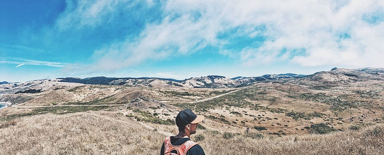 For the love of panoramas. ✌🏼️ Tranquil Scene Leisure Activity Mountain Range Scenics Beauty In Nature Tranquility Sky Travel Lifestyles Activity Happiness Cosmicserenity Outdoors Landscape Nature Hiking Fresh On Market 2016