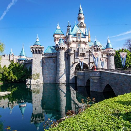 Travel Destinations Disneyland Castle Clear Sky Architecture