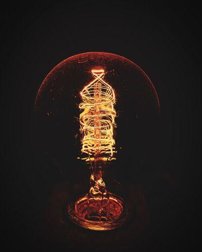 Idea Ideia Idea Filamento Bulb Light Bulb Lampada Illuminated Night Lighting Equipment Light Bulb No People Electricity  Light Glowing Filament Dark Indoors  Black Background Glass - Material Orange Color Long Exposure Studio Shot Electric Light