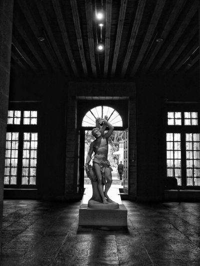 oscuridad Urbanphotography Travel Memories Blackandwhite Travel Mexico Blackandwhite Photography Black And White Urban Full Length Politics And Government Standing Window Architecture Built Structure