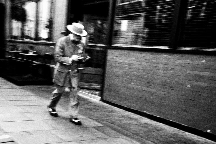 Streetphoto_bw Streetphotography City Blackandwhite Street Life NEM Black&white Monochrome London Streetphotography_bw IPhoneography