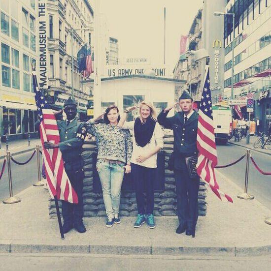 Checkpoint Charlie Berlin. Beste Klassenfahrt!*-* Berlin Checkpointcharlie Abschlussfahrt Greatday