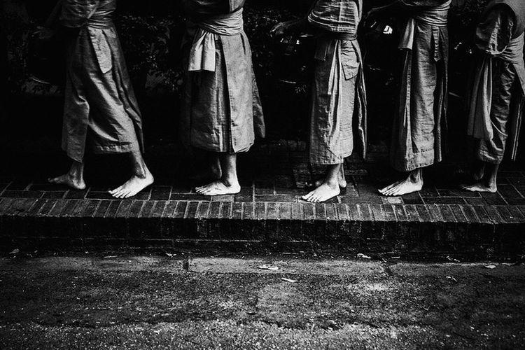 Laos Streetphotography Yoonjeongvin Low Section Human Leg Men Limb Human Foot