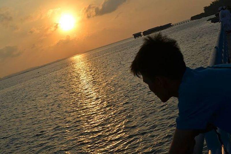 Tak Pernah aku bersumpah atas nama Cinta untuk dapat dipercaya dan dipuja, Yang ku tau kalau Cinta adalah datang dengan apa adanya :) Special Day Light Sunshine Sun Quotes Romantic Love Alonetime Travel Indotravellers Katacinta Holiday Beach