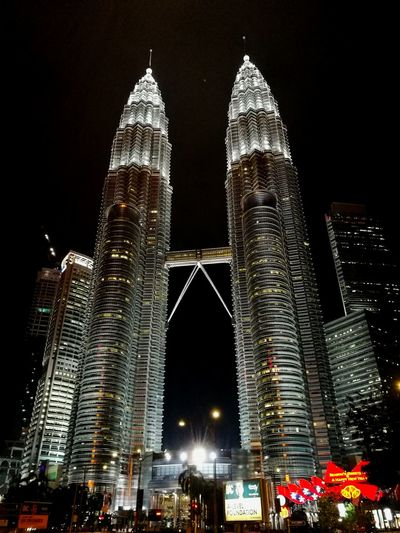 Twintowers TwintowersKL Kuala Lumpur Kuala Lumpur Twin Tower Kuala Lumpur City Centre Ilovemalaysia KLCC Twin Towers Stunning Look Architecture Night Skyscraper