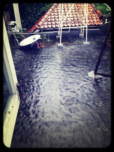 Banjir kok di atap rumah