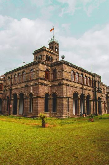 EyeEm Selects Architecture ARCHITECT Historical Building Monument Pune India The Architect - 2018 EyeEm Awards Politics And Government City Politics Government Patriotism Flag History Democracy Dome Architecture Arch