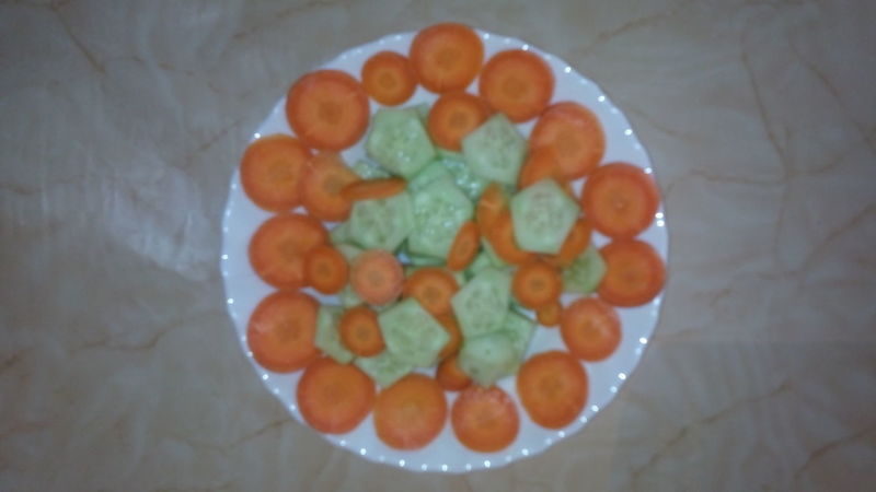 insalata di cetrioli e carote Ready-to-eat Food Healthy Eating Fruit Salad Vegetarian Food Freshness Lunch Time! Cucumber Salad Cucumbers Carrots