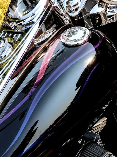 Shiny Close-up No People Outdoors Harley Davidson Road King Chameleon Paint Chrome Motorcycle Blessed With Beauty Reflection