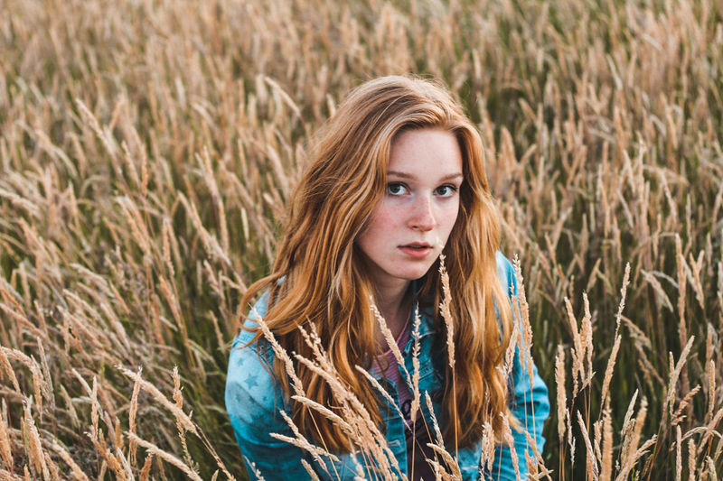 Field Cereal Plant Long Hair Beauty Only Women Nature Portrait Rural Scene Timothy Grass Blond Hair Agriculture Grass Redhead One Person Beautiful Woman Outdoors Wheat People Beautiful People Adult EyeEm Selects Sommergefühle