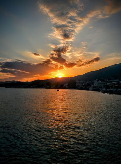 Sunset Water Beauty In Nature Sky Scenics Nature Sea Cloud - Sky Mountain