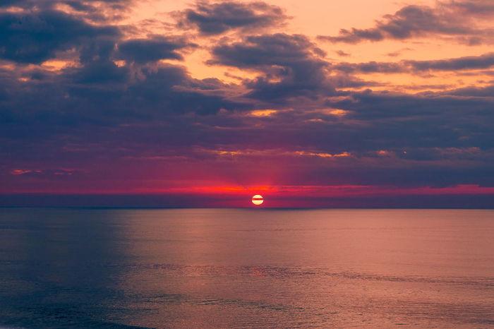 Dramatic Sky Horizon Over Water Idyllic Nature Outdoors Scenics Sea Sky Sun Sunset São Pedro De Moel Tranquility Water