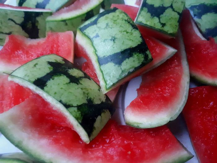 melon peaces Melon Peaces Hamburg Early Morning Red Green Fruit ARTfoxHH Dessert Red Fruit Still Life Close-up Sweet Food Food And Drink EyeEmNewHere