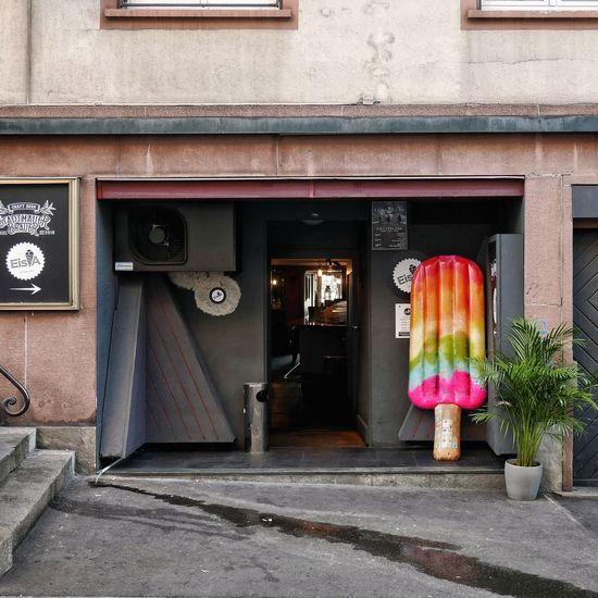 Architecture Basel, Switzerland Flaneur Kleinstadt Switzerland🇨🇭 Bar Bikes Eisdealer Fassadengestaltung Ice Cream Kleinstadtgefühle Oldtown Parkedbikesoftheworld Soloparking Switzerland❤️ Urbanphotography Urbanromantic Urbanromantix