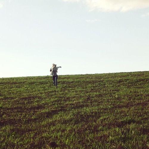 Только мы с тобой по полю идем. Только мы с тобой по полю идем ? радость свобода Природа