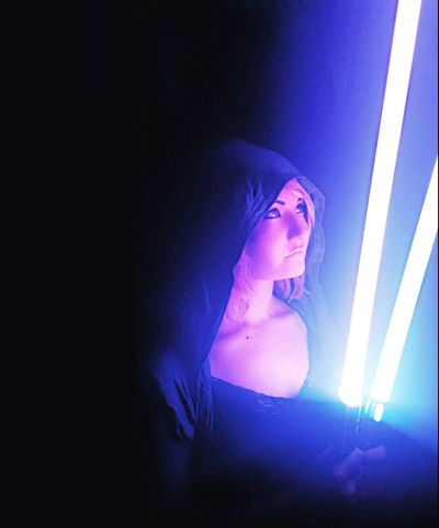 Something super different for you guys, I'm a major nerd, Star Wars, video games, MTG, all of it! Basically if guys like to do it, so do I! Lol! And now I have friggin lightsabers!! They are so badass!! I'm way too ridiculously excited about these!! Starwars Lightsaber Nerdy Nerdygirl Jedi Jediknight Art Love Photographer Photography Self Portrait Me Artist Young Wild And Free Cute Beautiful Woman Modeling Hottie Model Pretty Girl Selfie Nerd Hot