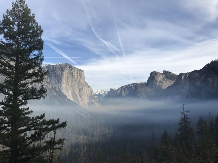 Yosemite National Park. December 2018. Scenics - Nature Beauty In Nature Tranquil Scene Mountain Tree Sky Tranquility Non-urban Scene Nature Environment No People Plant Cloud - Sky Mountain Range Landscape Fog Land Water Day Outdoors Formation