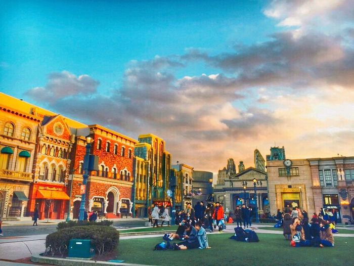 Blue Sky Sunset Afternoon Late Upload Universal Studios  In Japan Traveling With Friend Freedom Landscape Landscape_photography I Want To Go There So Happy Cheese! People Photography Whatching People is Happiness IPhoneography Iphone6 Nice View Sunset #sun #clouds #skylovers #sky #nature #beautifulinnature #naturalbeauty #photography #landscape Beautiful ❤️❤️❤️❤️❤️ Its My Own My Artwork