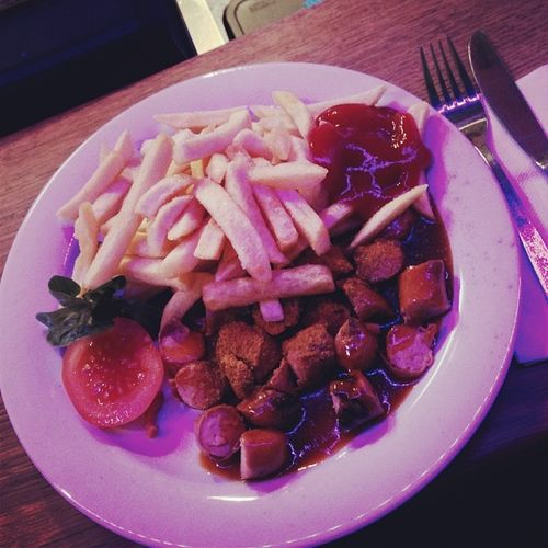 Currywurst-Verkostung in der Potato Lounge