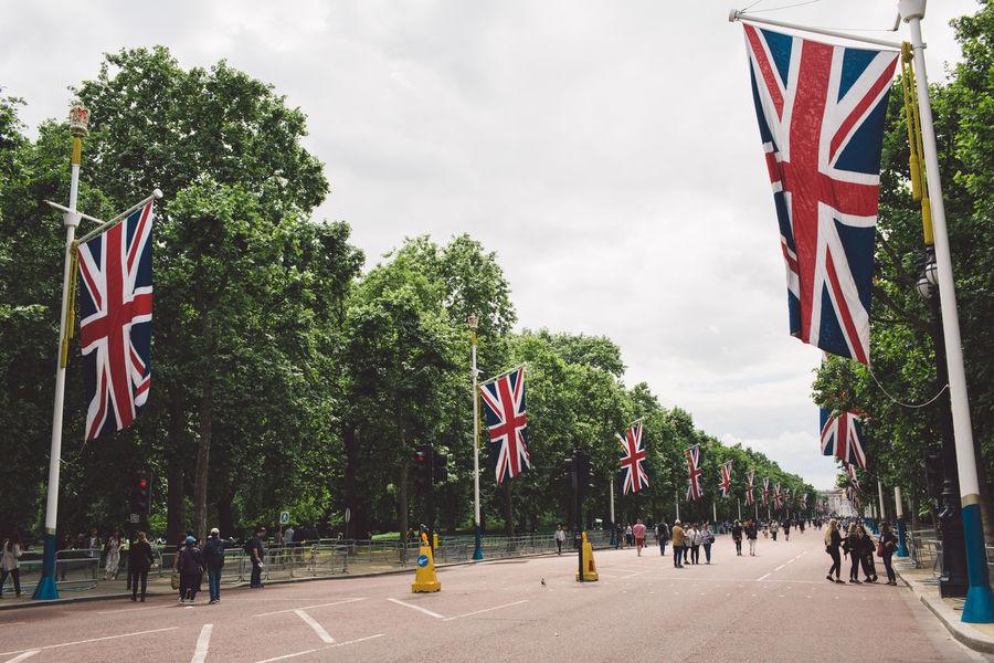 Buckingham Palace Celebration Flags London National Day National Flag Road Uk Postcode Postcards