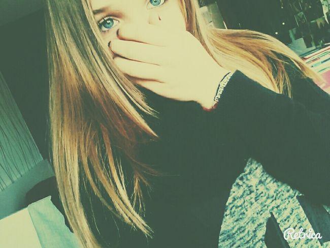 No Pain, No Gain Blond Hair BlueEyes Girls ShoutOuts Blackandwhite JustMe Love Shindy WantThis👆 me?