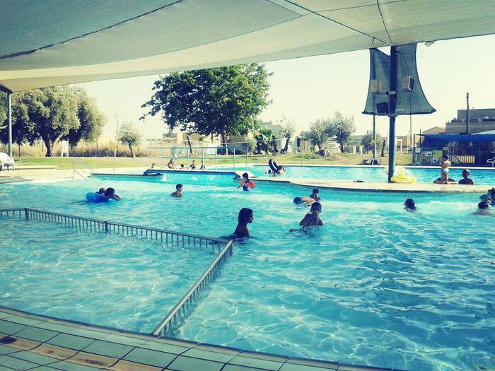 בבריכה :-D