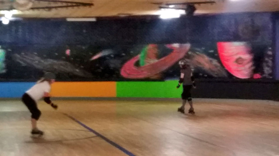 Roller Derby Live Fast Die Young Bad Girls Do It Well Skatergirl