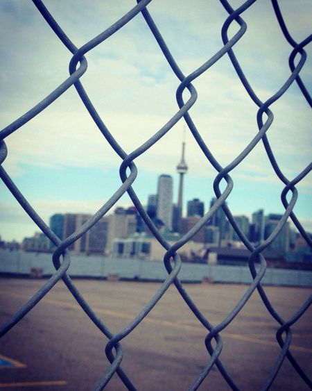 Never stop till you find what your looking for. Fence City Architecture Hustle And Bustle City Life Toronto Streetphotography The 6ix Street Photography Photographer Photooftheday The Street Photographer - 2017 EyeEm Awards Nikonphotography