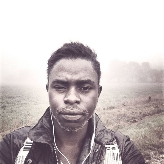 Sweden Selfportrait Selfie Fog en dimmig morgon ute på Landet.