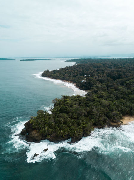 Bocas del Toro - an overview Bocas Del Toro DJI Mavic Pro DJI X Eyeem Drone  EyeEmNewHere From Above  Panamá Rough Sea Beach Beauty In Nature Day Dronephotography Horizon Over Water Nature Outdoors Rock - Object Scenery Sea Seaside Tranquil Scene Tranquility Water Wave