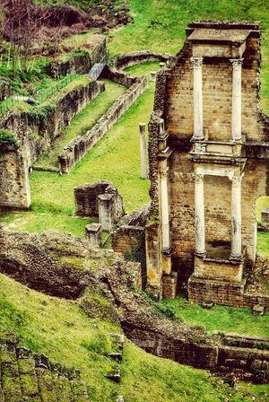 Volterra Roman Theatre Italia Italy Tuscany Seeing The Sights Roman Architecture Ancient Ruins Columns Bella Italia
