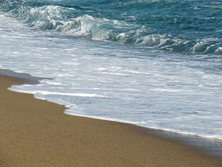 Art Is Everywhere Barcelona Barcelona Beach Sonne Sun Strand Blue Blau Meer Wasser Vacations Beauty In Nature Water Wave Beach Sea Sand Canon Powershot Canon Powershot SX200 IS Break The Mold Neighborhood Map Live For The Story