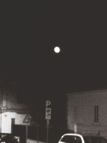 Mira La Luna! La Luna
