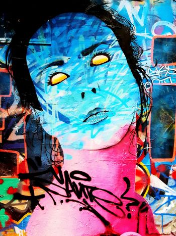 Pastel Power famous graffiti lane Hosier lane ! Hanging Out Check This Out Enjoying Life Melbourne Sunny Amazing Whats Your View ? Austraillia Modern Art Graffiti Art Spray Bright Colours