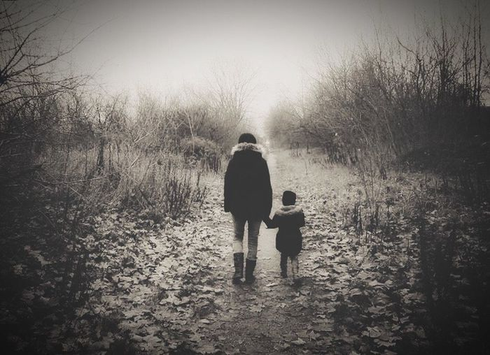 First Eyeem Photo Handinhand Mydaughterandme Beautiful Moments Youandme Blackandwhite Tree Nature Outdoors