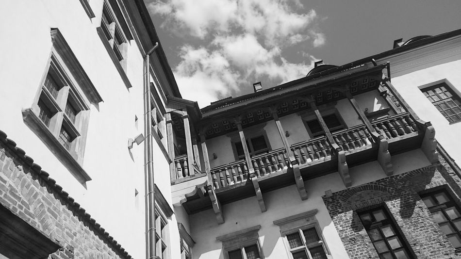 Castle MIR Belorus Black And White Material Lines Phoneography