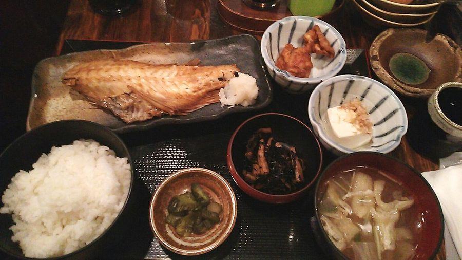 Tokyo Ikebukuro Ikebukuro Enjoying A Meal Foodporn Food Porn 焼き魚 Foods 魚然(ºωº) 魚肉厚でした!赤魚焼き…赤魚…( ̄ω ̄;)どんなさかなかな