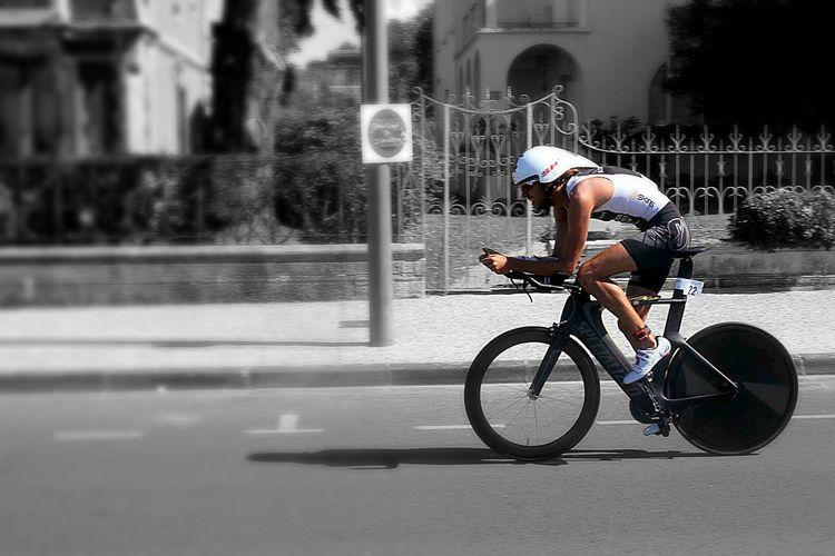 TRIATHLON Triathlete Race Cycle