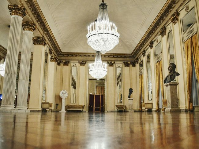 Foyer Toscanini Architecture Chandelier Indoors  Opera House Operahouse Heritage Building Milanomonamour Historical Building Teatro Alla Scala Theater Indoor Photography Eyeemphoto Week On Eyeem Architecture_collection Architecture Low Angle View Lighting Equipment Indoors  Ceiling Indoors  Beautiful Place Culture