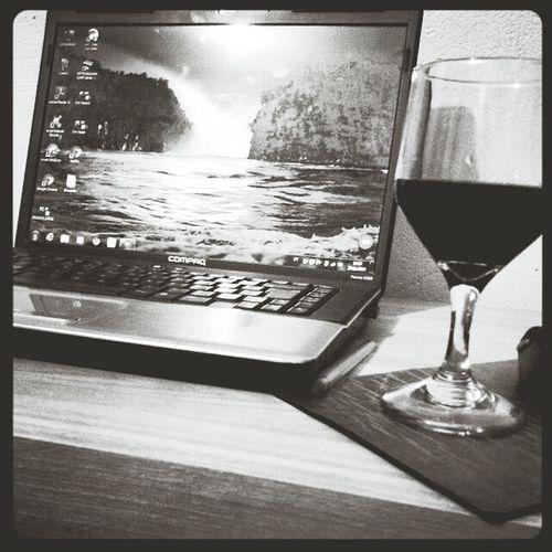 Computador Notebook Vinho