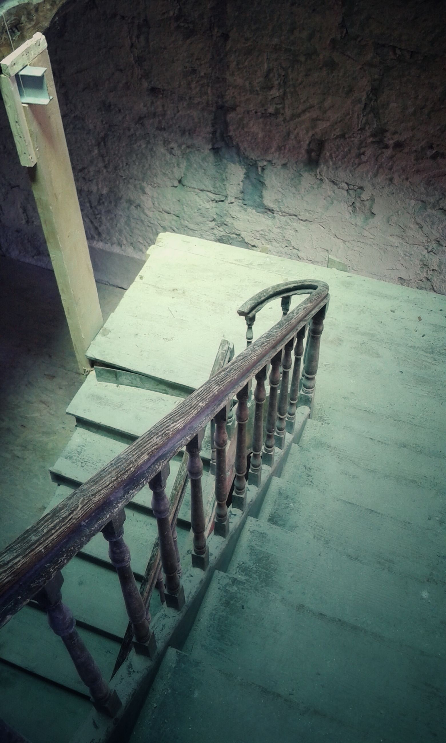 built structure, architecture, steps, building exterior, high angle view, staircase, old, railing, steps and staircases, empty, sunlight, absence, no people, abandoned, building, day, outdoors, in a row, wall - building feature, shadow