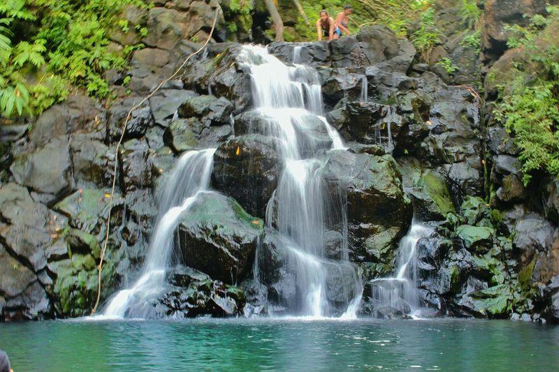 Relaxing Hiking Hawaii Waterfalls