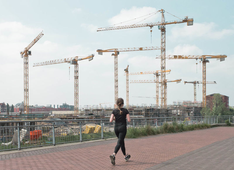 Skyline Built Structure Cloud - Sky Crane - Construction Machinery Lifestyles Outdoors Sky Urbanphotography